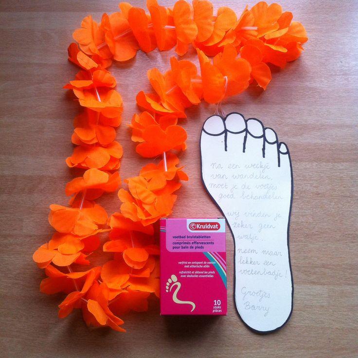 Na een week van wandelen, moet je de voetjes goed behandelen. Wij vinden jou geen watje.. Neem een lekker voetenbadje!