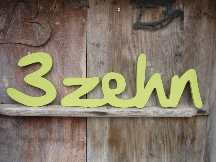 Zahlwort Hausnummer Zahl und  Schriftzug von LeRoe via dawanda.com