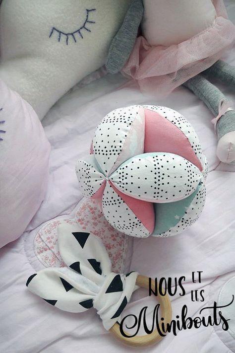 DIY Couture pour bébé – Une balle de préhension Montessori [TUTO] – Nous et les minibouts