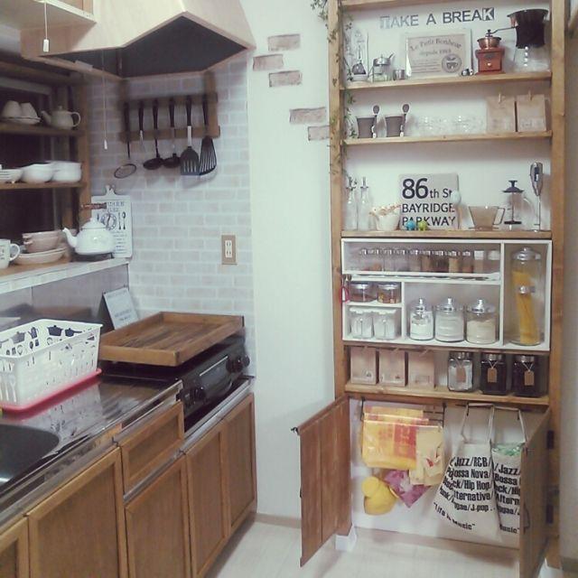 Ryoさんの、キッチン収納,キッチン雑貨,ダイソー,リメイクシート,セリア,賃貸アパート,ゴミ袋収納,コンロカバー,キッチンツール掛け,スパイスラック,ディアウォール,DIY,1K,一人暮らし,賃貸,キッチン,のお部屋写真