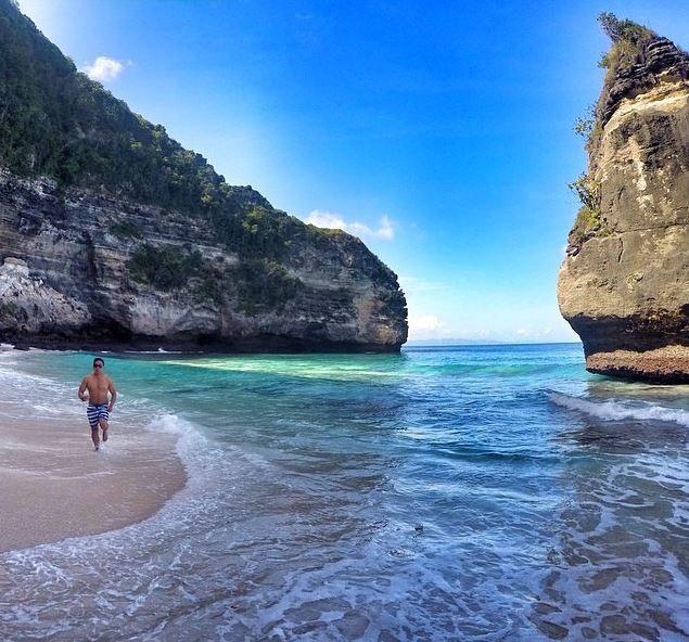 Pantai Suwehan / Suwehan Beach Nusa Penida - Objek Wisata Di Nusa Penida Bali