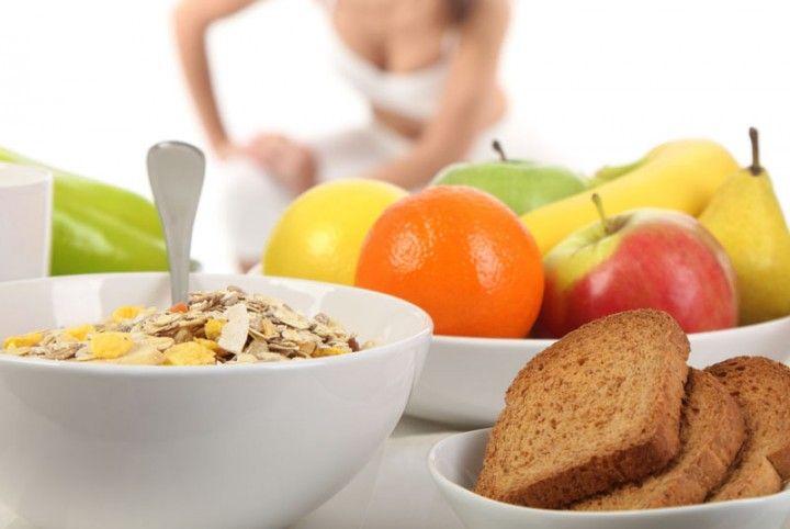 Faut-il manger avant de faire sport? Si oui, que faut-il manger avant de se rendre à la salle de sport? Nous vous donnons notre avis sur la question ! Faut-il manger avant de faire du sport ?  Avant de répondre à cette question, il faut comprendre pourquoi et comment l'être humain est supposé se […]