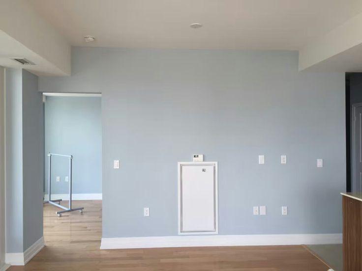 Popular Benjamin Moore Gray--Silver Gray, it is painted by Mi Painting & Wallpaper. https://www.mipaintingwallpaper.com