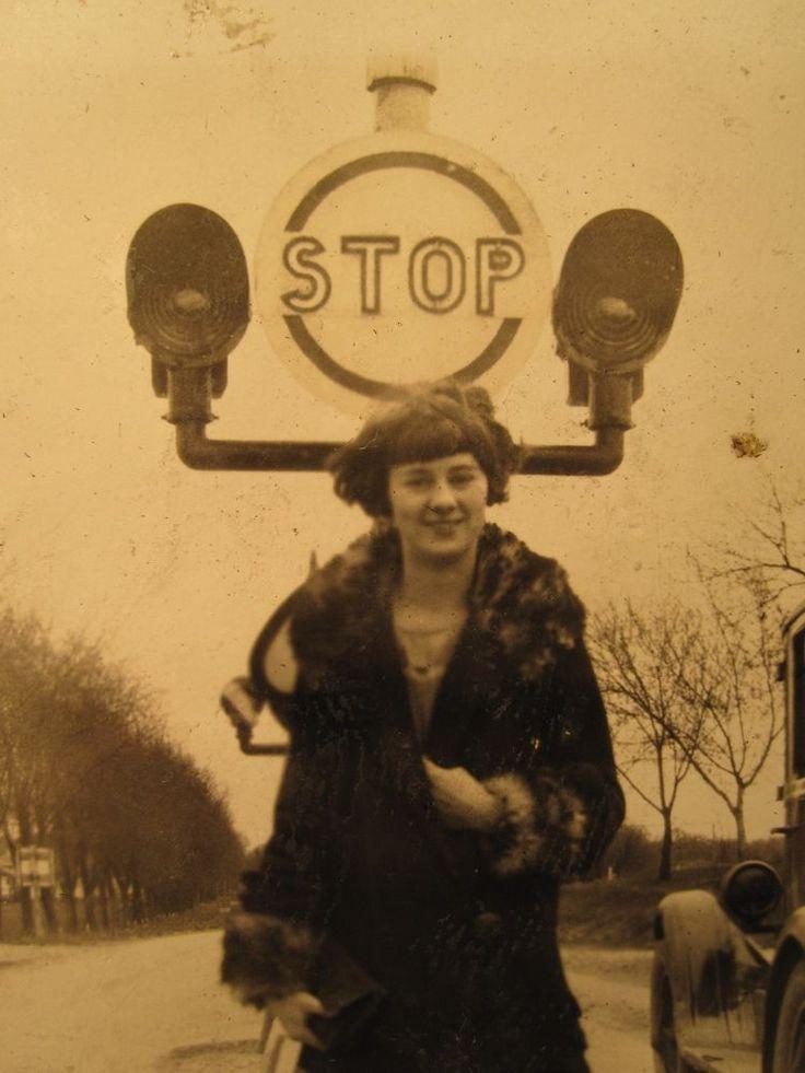 ANTIQUE RARE LIGHTED STOP SIGN TRANSPORTATION FLAPPER DANGER GIRL AUTOS PHOTOS
