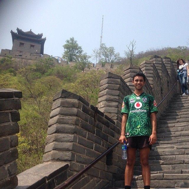 Kishan Naran repping the Vodafone Warriors on the Great Wall of China #GreatWallofChina #Warriors #Represent #NZWarriors #WarriorsForever