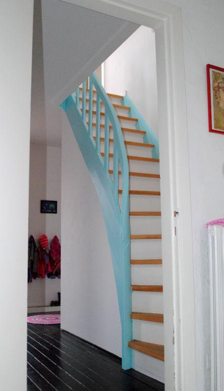 17 beste idee n over zwarte leuning op pinterest geschilderde leuning trappen schilderen en - Gang met trap ...