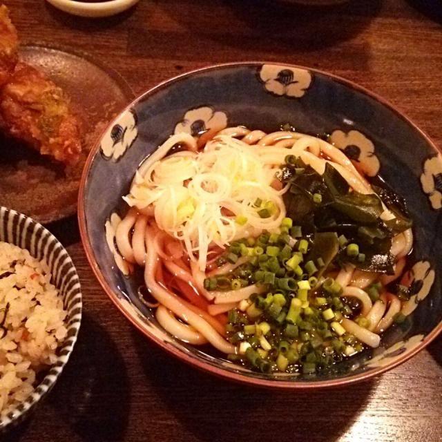 賄い飯♪ ぶっかけうどん、ちくわ天ぷら、ホタテ刺身、豚肉とヒジキの混ぜご飯、コーンサラダ、お新香、雑穀飯。 美味しゅうございました。\(^o^)/ - 38件のもぐもぐ - 賄い飯♪ ぶっかけうどん by Gauchesuzuki