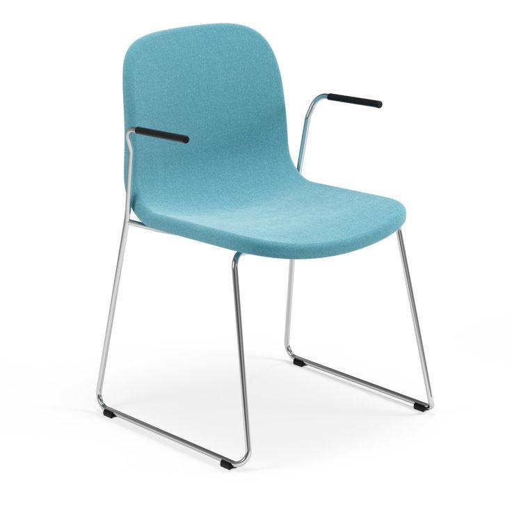 Neo is een reeks vergaderstoelen met diverse zitschaal- en pootonderstelopties. De stoel heeft een krachtig ontwerp en straalt exclusiviteit uit met zijn zorgvuldig uitgewerkte totaalontwerp en aandacht voor details. Ondanks het ogenschijnlijk sobere ontwerp zijn de lijnen organisch, zonder scherpe randen of overbodige extra kenmerken, waardoor de stoel uiterst comfortabel zit. #Kinnarps #Materia #Neo #Stoelen