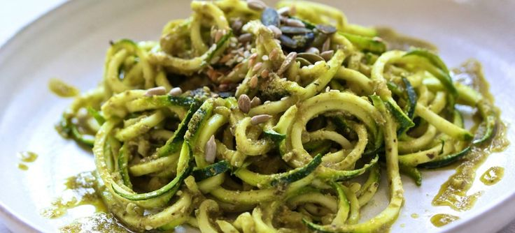 Courgetti with flax and walnut pesto
