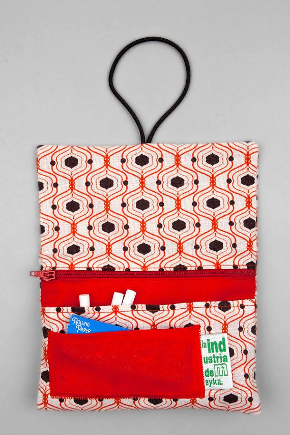 Rolling tobacco pouch Red handmade fabric por LaIndustriaDeMayka, €11.95