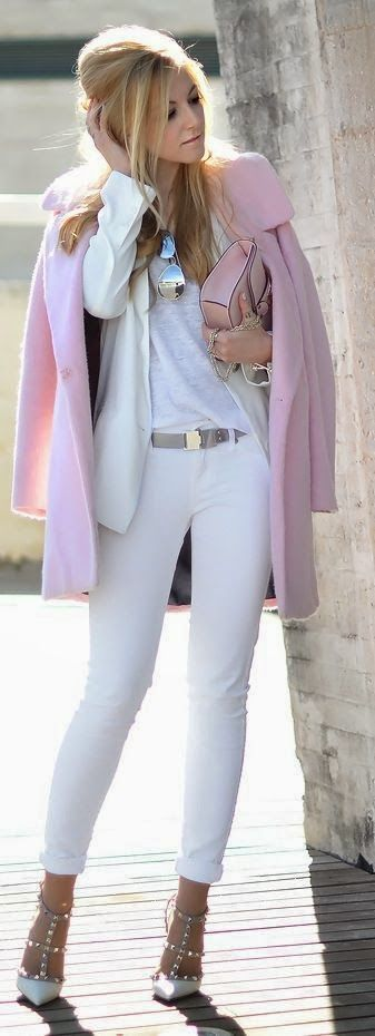 Business Lady Pink and White Adorable Outfit 2015 Style and Perfect Heels Combination.
