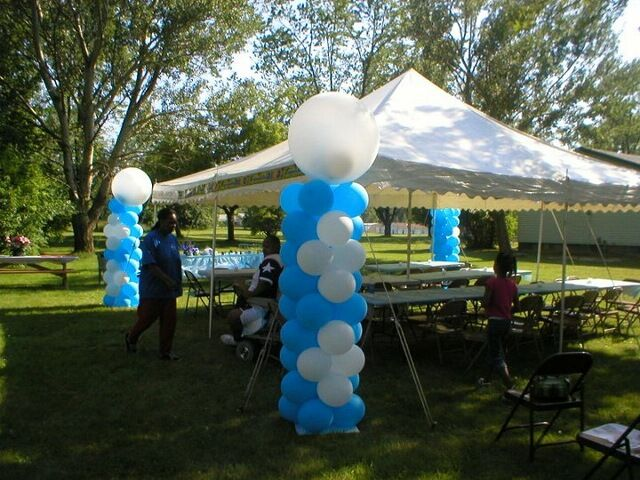 Made for a graduation party balloons pinterest cars for Outdoor decorating ideas for graduation party
