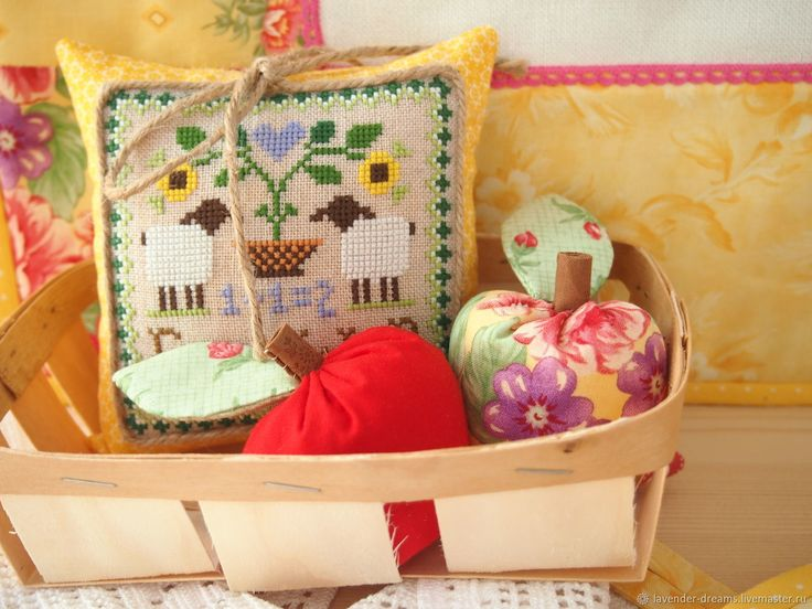 Little house needleworks / cross stitch  #Littlehouseneedleworks / #crossstitch/ #cozyautomne/ #cozy / #handmade
