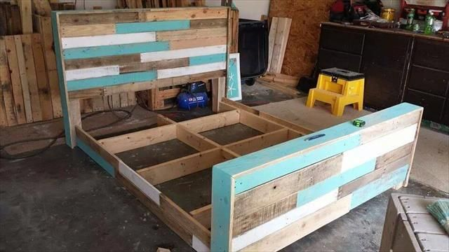 #DIY Hand-built Pallet Bed frame With #Headboard | 99 Pallets