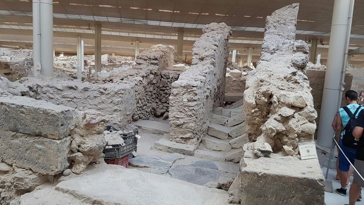 Santorini excavations, the lost Atlantis