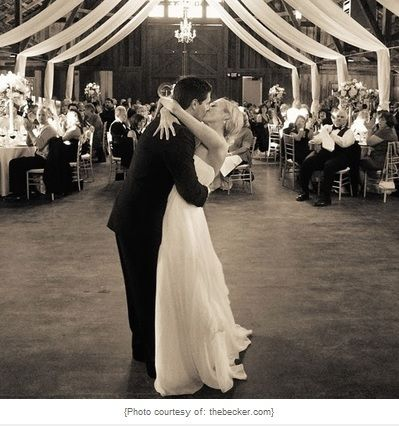 Five Tips To Choose Your Perfect First Dance Wedding Song