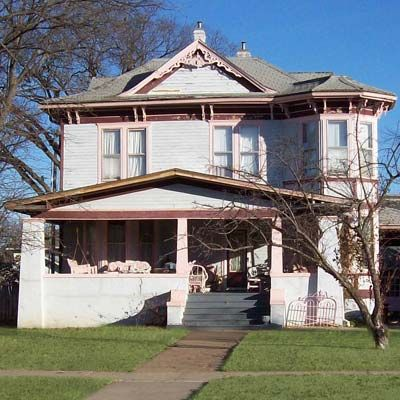 Best old house neighborhoods 2011 the southwest for Building a victorian house