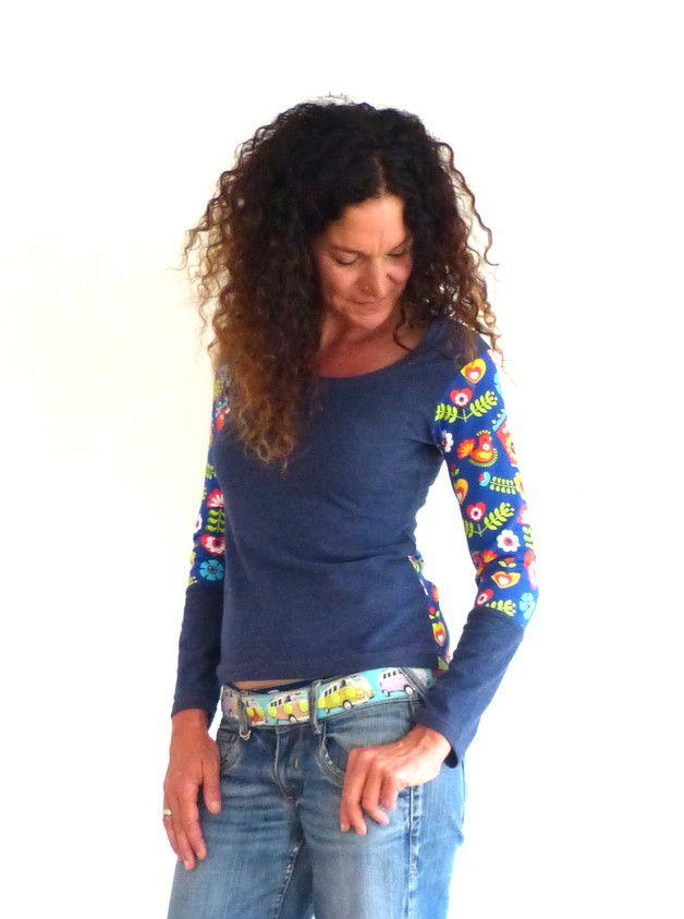 Unser beliebter Schnuffistoff gemixt mit Biobaumwolle! Jetzt endlich auch als langärmliges Oberteil erhältlich. Dieses süße, blau-melierte Shirt mit Applikationen aus Biobaumwolle mit fröhlichem...