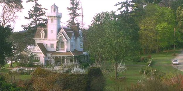 white Victorian house in Practical Magic movie