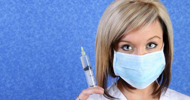 La influenza H1N1 causa síntomas leves que se superan en la mayoría de los casos, pero los cuidadores deberían estar atentos a las señales de alerta de casos graves, de acuerdo con la titular de la Organización Mundial de la Salud (OMS), Margaret Chan. No obstante, la directora de la organización señala que existen casos que deben ser tratados como foco de preocupación como las personas embarazadas y las que tengan problemas de salud subyacentes, debido a que el virus provocaría muchas…