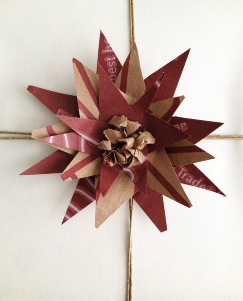 Flower made from brown paper bag: Bags Gifts, Brown Paper Bags, Good Ideas, Gift Wrapping, Bags Bows, Gifts Wraps, Wrapping Ideas, Wraps Ideas, Flowers Gifts