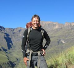 Drakensberg Hiker - guided hikes, portered and catered hikes of the KwaZulu-Natal, South Africa, Drakensberg, Guided 4x4 tours of Lesotho, battlefields               & game reserves of KwaZulu-Natal