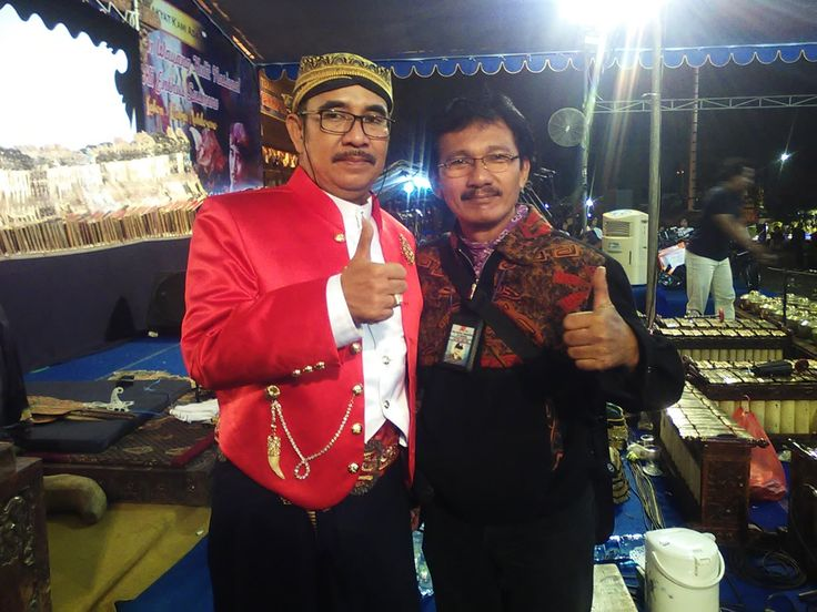 Pagelaran Wayang Kulit HUT ke 66 Rumkital dr. Ramelan Dalang Ki Enthus