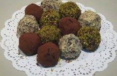Çikolata topları tarifimiz ile birbirinden özel fıstıklı, hindistan cevizli çikolata toplarımızı hazırlamak istermisiniz?