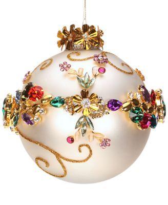 Para uma Natal mais brilhante customize suas bolas com pedrarias. Ficou demais parece uma joia! www.ldicristais.com.br