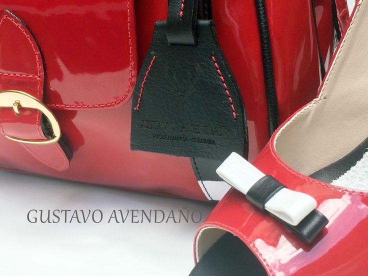 Zapatos y bolso charol rojo❤️
