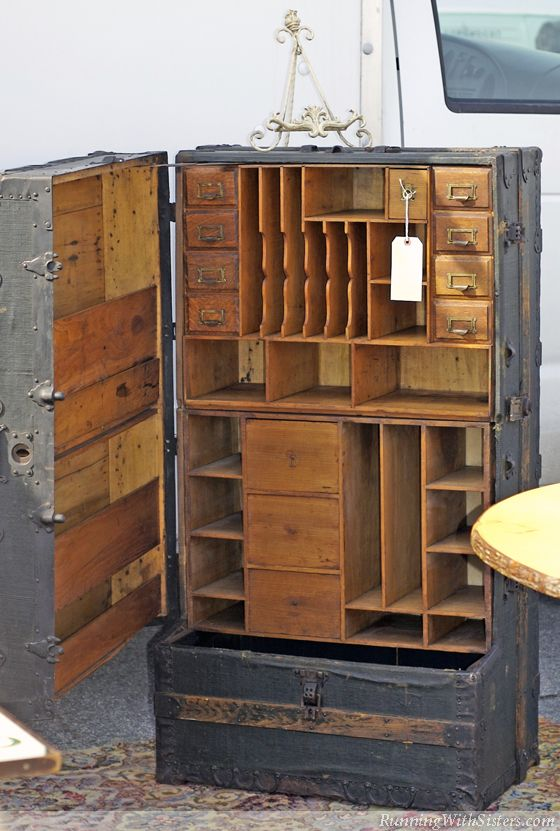 Steamer trunk storage