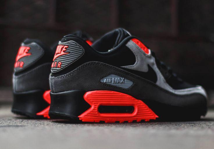 Nike Air Max 90: Black/Ash Grey/Total Crimson