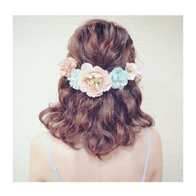 この日だけは、世界で一番かわいい わたし でいたい。最高のドレスに、最高の髪型を。アップスタイルとダウンスタイルで分けて、花嫁さんのためのヘアスタイル画像を載せました。花嫁さんは、どんな髪型で、幸せな式を迎えるのでしょうか?