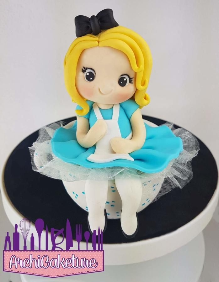 Alice in the cup - Cake by Archicaketure_Italia