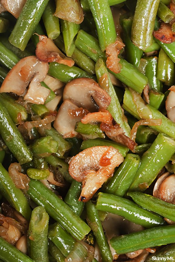 A delicious and easy side dish that everyone can enjoy--Sauteed Green Beans and Mushrooms.