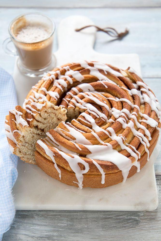 Giant Cinnamon roll cake (Brioche alla cannella) sofficissima e facile da fare, con video ricetta - Chiarapassion