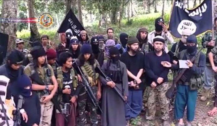 Filipinas: Líder do grupo Abu Sayyaf, que decapitou alemão, morto em tiroteio. Forças de segurança das Filipinas reportaram que o líder do grupo Abu Sayyaf