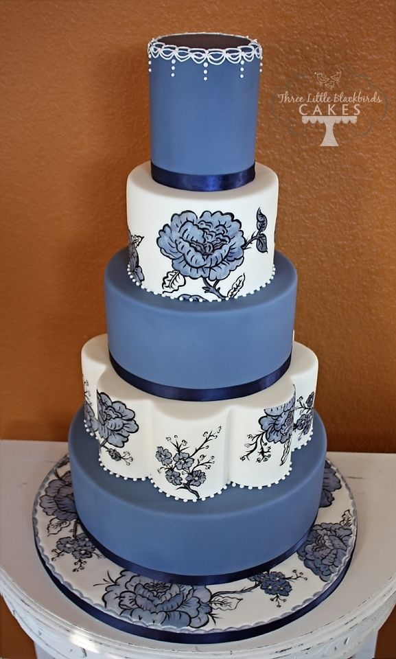 Absolutely stunning! Blue and white wedding cake.