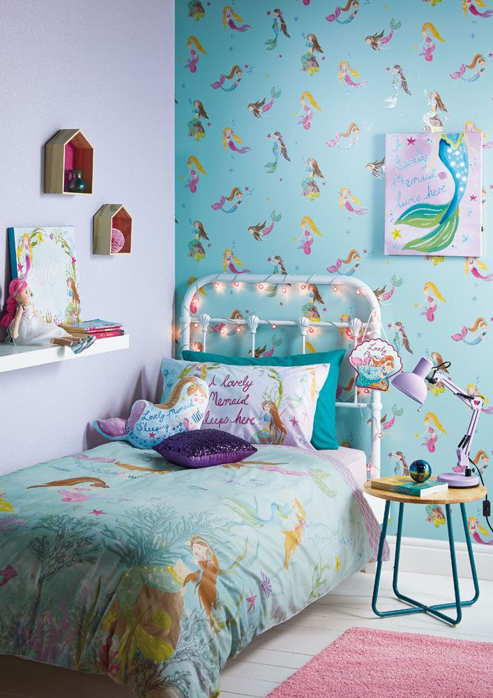 Check out this mermaid co ordinating wallpaper bedding
