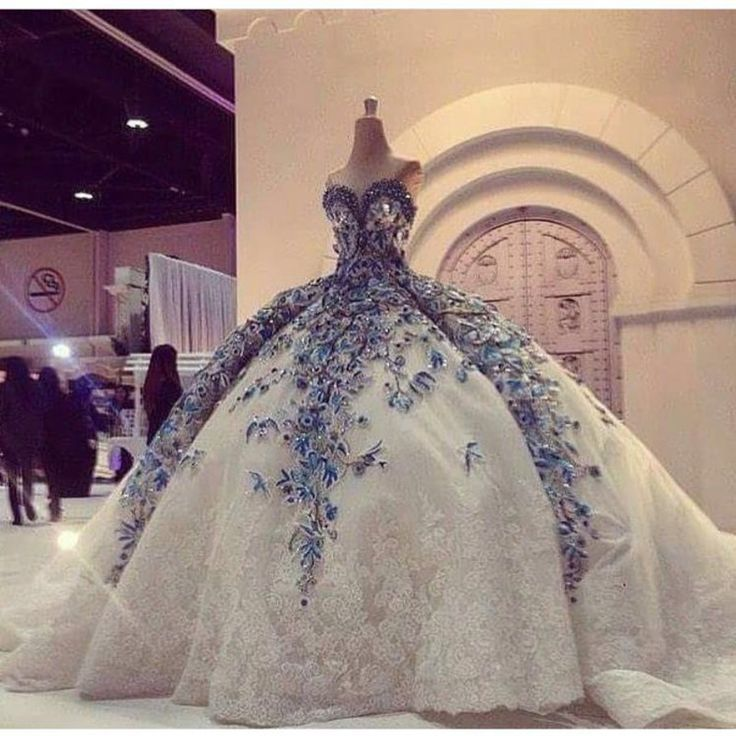 Robe De Mariage Princess Wedding Dress Luxurious Chapel Train Vestido De Novia Tulle With Lace Ball Gown Wedding Dresses 2017