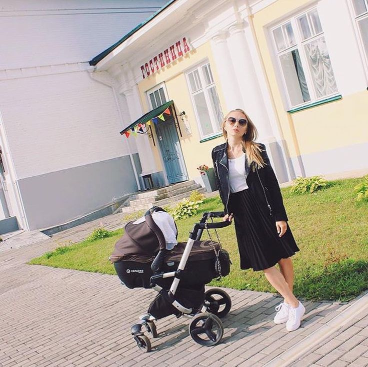 This mum knows how NEO can be as sporty as sophisticated!  #chic #fashion #coolmom #cool #sophisticated #trendy #womensfashion #street #pastelcolors #mom #mum #mummy #maternity #baby #babyproduct #ootd #stroll #stroller #strolling #pushchair #concord #concordneo #poussette #cochecito #repost