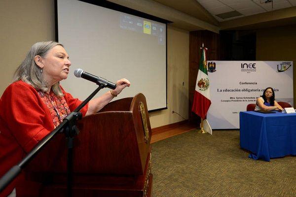 Educación deficiente según 'La educación obligatoria en México'