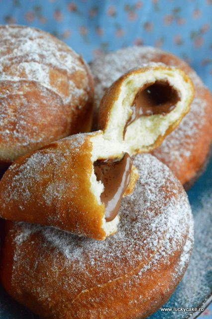 Gogosi pufoase - Lucky Cake