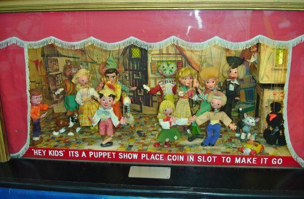 Dancing puppets app online interactive pinterest for Fishing bob slot machine
