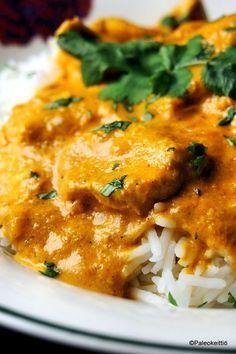 Intialainen voikana on sen verran herkkua, että olen ehtinyt tässä välissä kokkailemaan sitä jo toistamiseen. Ensimmäisellä kerralla kastikkeesta tuli täydellistä! Sileää ja kiiltävää. Toisella ker…