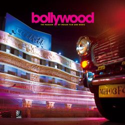 """Bollywood"" is a cult. The dream factory in Mumbai (Bombay) makes dreams come true and lets the cinema auditoriums overflow with emotions. The audio book ""Bollywood"" offers you a view both in front of and behind the scenes, shows the streets of Mumbai in their everyday aspect as well as the Indian actor heroes and heroines, and provides explanatory chapters and an interview with the ""Bollywood"" superstar Shah Rukh Khan to take you on a guided tour of this Indian passion."