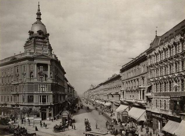 Andrássy út a múlt század elején - Forrás: bpkep.fszek.hu