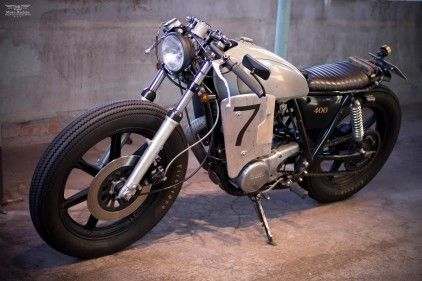 This is how you treat a good starting point - a Yamaha SR 400 - properly!