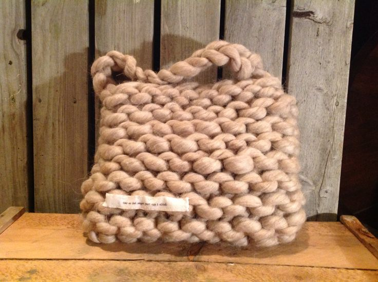 knitted bag in super bulky yarn and giant needels 25mm  worldwide shipping online shopping! www.min-design-strikk.no
