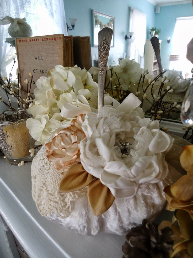 Hello Friends! I wanted to share some beautiful images of the fall decorations I made forthe parlor at my bed and breakfast. I pain...